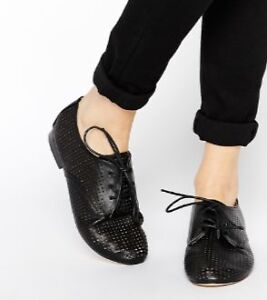 NEW London Rebel UK black leather punched design lace up flats