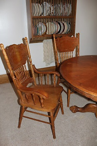 Oak Table and 6 Pressback Chairs