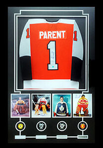 BERNIE PARENT Signed Framed Flyers Jersey with 4 Photos 4 Pucks