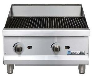 GRIDDLE (30,000BTUS per 12) AND RADIANT CHARBROILER (40,000BTUS per 12) FLAT COOK TOP, THERMOSTATIC GRILL, BROILER