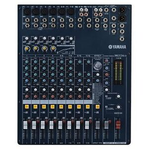 2 colonne de son Peavey sp-5G & Mixer Yamaha