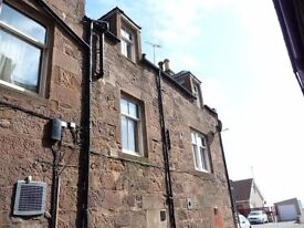 Unfurnished 2 bedroom flat to Let in centre Stonehaven