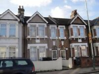 *LARGE SHARED HOUSE*FULLY FURNISHED*SEPARATE LIVING ROOM*AVAILABLE TO VIEW NOW*