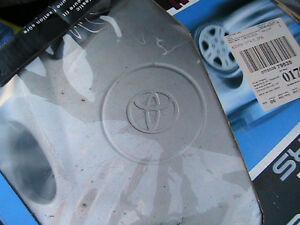 Toyota plastic wheel cap West Island Greater Montréal image 2
