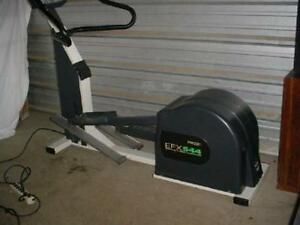 Precor EFX544 Elliptical Cross Trainer