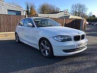 BMW 118 118d SE (white) 2009