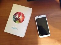 Motorola Moto X BELL 10mp 4.7'' 16gb 2gb ram LIKE NEW in the BOX