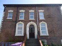 One bedroom apartment, Huntley Road, Kensington, L6 3AJ