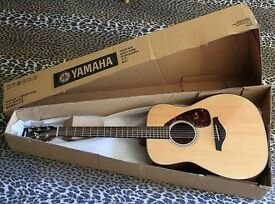 Yamaha FG700s acoustic guitar plus case and picks