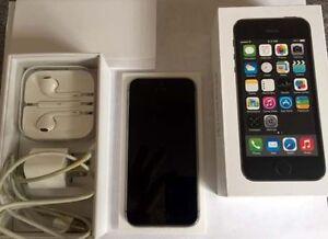iPhone 5S 16G EUC with Box, Manual, Chargers, Head Phones NICE Kitchener / Waterloo Kitchener Area image 2
