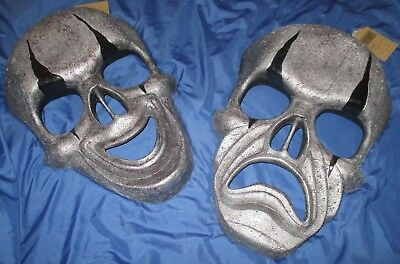 HALLOWEEN HORROR NIGHTS Universal Studios Theme Park STORE DISPLAY Prop Mask - Halloween Horror Nights Store