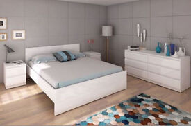 Modern white high gloss double bed with 4 drawers and slats - Box opened but never been used!