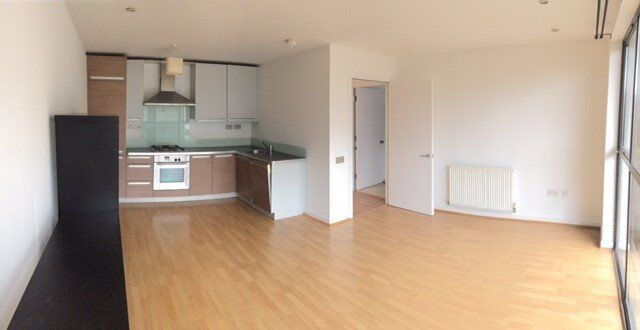 Two bedroom flat close to Old Kent Road, South Bermondsey. Underground parking, gated complex £320pw