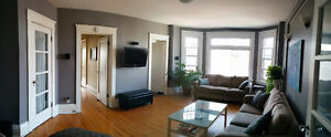 Young Professionals - All Incl Rent - Beautiful, bright bedroom!