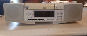 GE Space Saver AM/FM Stereo/CD Player