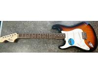 Squier by Fender Left-Handed Stratocaster - SunBurst