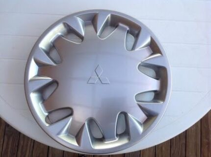 Mitsubishi magna es hubcap wanted ASAP  Lalor Whittlesea Area Preview