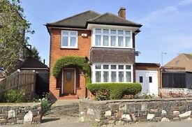 3 Rooms for rent in House Share Surbiton Bills included