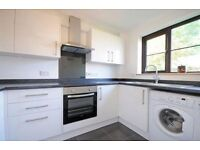 A well presented 1st floor one double bed purpose built flat with off street parling in Brentford