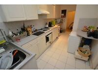 2 BEDROOM FLAT WIDMORE ROAD NO DEPOSIT AVAILABLE IMMEDIATELY!