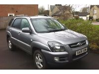 KIA SPORTAGE 4WD Full leather. Lady owner, MOT, Drives really well. Private Sale.
