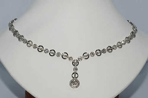 White Gold Diamond Necklace Buying Guide