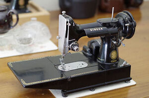Vintage Singer 222K Feathe Cylinder free arm Sewing machine