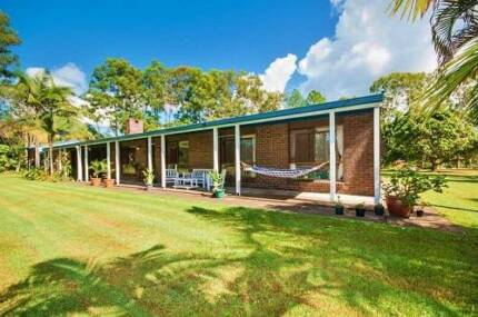 NOOSA -BOREEN POINT- HOME ON 1.36 HECTARE - OFFERS