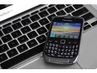 BlackBerry Curve 3G 9300 / comes in box / 02 network / cash or swaps are welcome ?