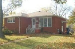 3 BEDROOM 1.5 BATH HOME CENTRAL SARNIA (updated phone)