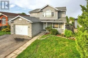 Stunning, Spacious, & Modern single family home With 3 Bed