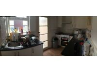 £161 P/W En suite Double Bad Room available furnished in Kilbburn Park