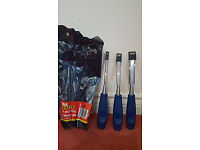 Chisel set and gloves - Brand new