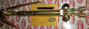 """AIRCO 18"""" CUTTING TORCH #3790 & 25' ROLL OF T GRADE HOSE $200.00 Belleville Belleville Area image 3"""
