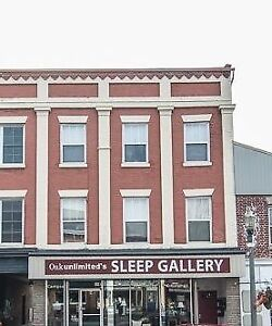 Downtown Bowmanville Apartment For Rent $1100 Inclusive / Month