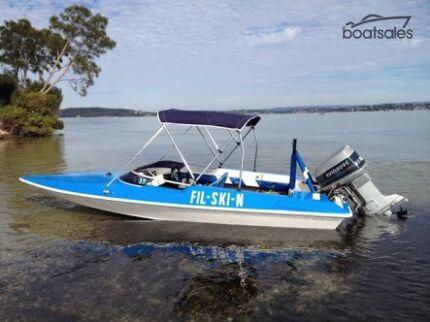 Great family fun or fishing skiing boat lots new may swap ski boat 16ft flightcraft bandit 110hp evinrude publicscrutiny Images