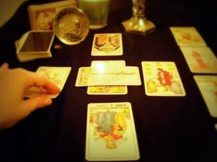 Tarot Readings with Luci (Phone/Skype/in person)