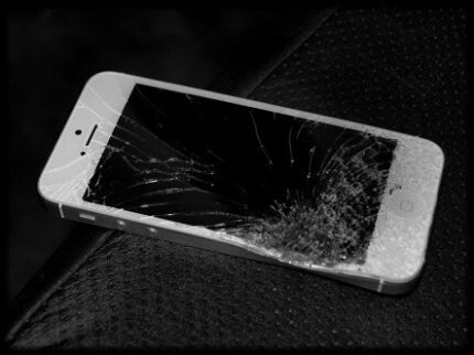 Looking for damaged,sealed,faulty,working iphones Dandenong Greater Dandenong Preview