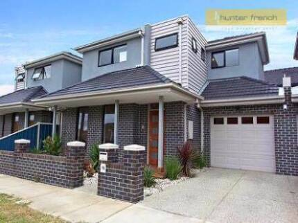 Room for Rent in Modern Townhouse, Close to city and westgate Altona North Hobsons Bay Area Preview