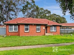 Spacious 5 Bedroom House for Rent Available Now. Parafield Gardens Salisbury Area Preview