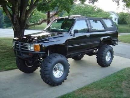 Wrecking 1985 4Runner Morisset Lake Macquarie Area Preview