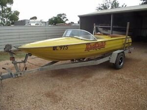 Wanted ski boat Rochester Campaspe Area Preview