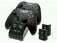 Venom Xbox One Twin Docking Station with 2 x Rechargeable Battery Packs: Black 4.0 out of 5 stars