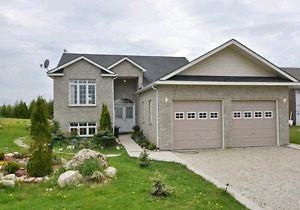 Just listed!! 4 bedroom home with a huge lot.
