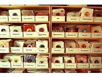 [WANTED] Record collections & vintage toys - Good money paid - Hornby dinky vinyl corgi