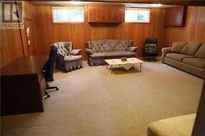 2(basement) bedroom are available in good maintained detach hous Kitchener / Waterloo Kitchener Area image 2
