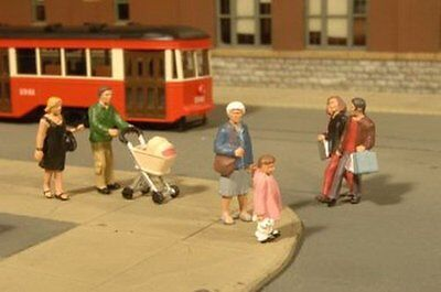 Bachmann Industries Miniature Ho Scale Strolling People Figure  5 Piece