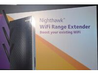 NETGEAR Nighthawk EX7000-100UKS WiFi Range Extender AC 1900 Dual Band