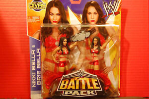 New Nikki Bella & Brie Bella Twins Series 26 Battle Pack - Red