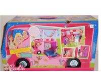 Barbie sisters go camping van
